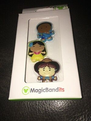 New! Disney Parks - Magic Bandits It's A Small World Characters MagicBand