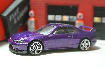 Hot Wheels Nissan Skyline GT-R R33 Loose - 1:64 - Purple - Exclusive
