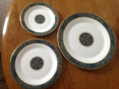royal doulton carlyle Part Place Setting Dinner , Salad And Side Plates