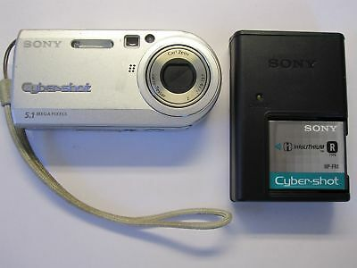 Sony Cyber-shot DSC-P100 5.1MP Digital Camera - Silver Tested Fast Free Shipping