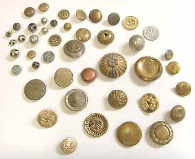 44 Antique vintage collector assorted metal buttons lot old collection 49824