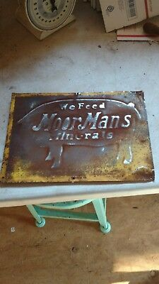 MoorMans feed sign