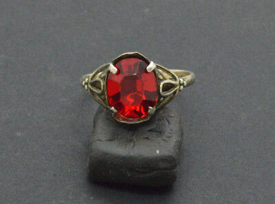 Post medieval period 875 silver ring with ruby gemstone. 18 Century. 2gr