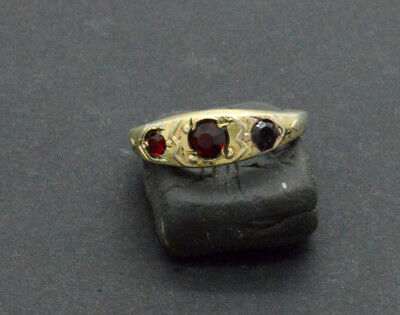 Post medieval period 875 silver ring with ruby gemstones. 18 Century. 2gr