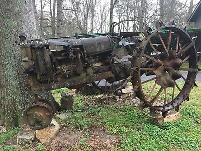 Vintage Rusty Old Tractor ( Farmall ?? ) With Metal  Spoke Wheels