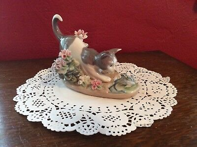 Lladro Figurine Kitty With Flowers And Frog  #1442