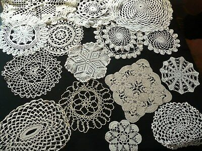 1 Lot De 15 Anciens Napperons Differents Au Crochet