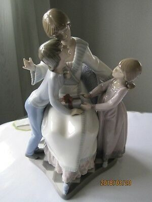 "Vintage Lladro ""a Gift Of Love"" ( #5596 Mother/ Boy /girl /children ) Signed"