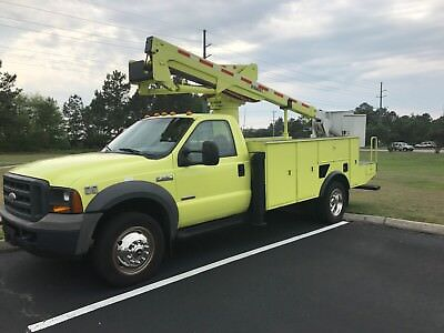 2005-Ford-F-550