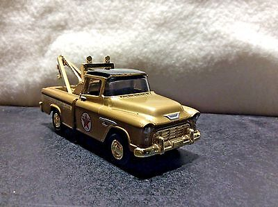 Texaco Collectors Club 1955 Cameo Wrecker Diecast Metal Replica Ertl 1:43 Scale