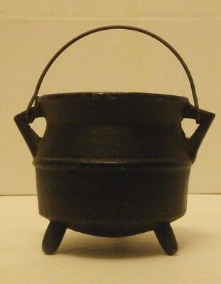 Vintage Small Cast Iron Smelting Pot 3 Leg Kettle With Handle Miniature #15
