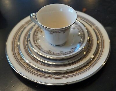 LENOX LACE POINT Fine China Service For 12 - Dinner, Salad, Bread ...