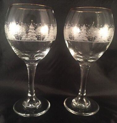 Pair Arby's Frosted Etched Winter Christmas Scene Trees Gold Rim 2 Wine Glasses