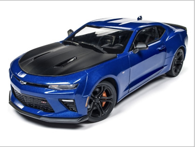Auto World 2017 Chevrolet Camaro Ss 1Le (50Th Anniversary) 1:18 Scale Diecast