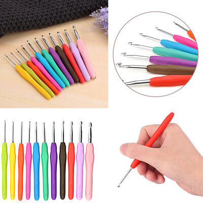 11pcs Crochet Hooks Kit Yarn Knitting Needles Sewing Tool Ergonomic Grip Bag Set