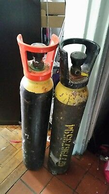 x4 Co2/gas cylinder/cannister