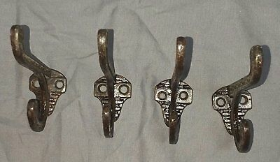 Set of 4 Victorian Hooks Decorative Antique Cast Iron 31-18F