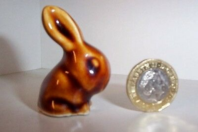 C1930S VINTAGE BOURNE DENBY Brown gloss GLAZED SMALL RABBIT