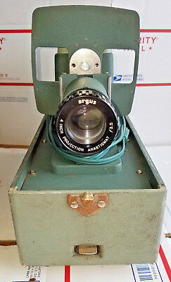 VINTAGE ARGUS 300 SLIDE PROJECTOR with working bulb and carrying case