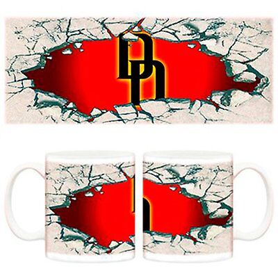 Taza Daredevil logo muro cómic Marvel