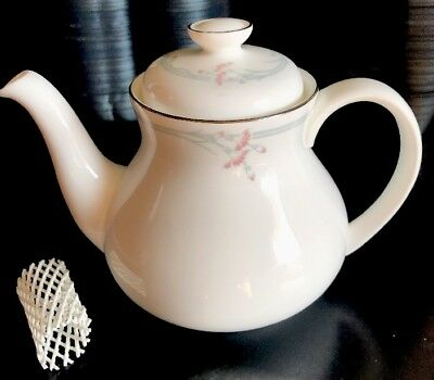 Vintage Royal Doulton CARNATION Teapot H5084 Bone China - 1982 England