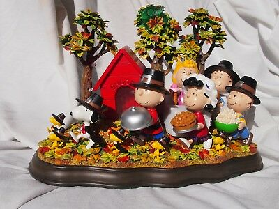 """RARE Danbury Mint Peanuts """"A Time To Give Thanks"""" Lighted Sculpture"""