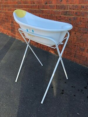 Baby bath tub and stand - White