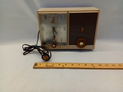 Vintage Zenith Radio Clock G515 With 5G06 Chassis S-50642 Original Cord