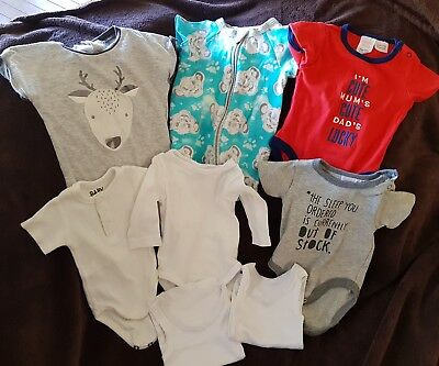 Baby clothing bundle. Size 000 (0-3 months)