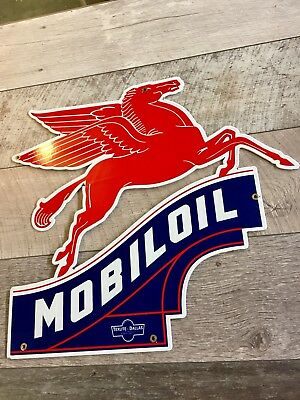 """LARGE 21""""x23"""" Size MOBILOIL RIGHT FACING COOKIE CUTTER DEALERSHIP SIGN."""