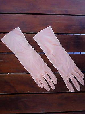 Dents peach-coloured mid-forearm length vintage dress gloves size 7.5