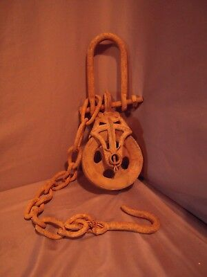 Antique / Vintage Cast Iron Barn Pulley & Chain Old Farm Tool Rustic Primitive