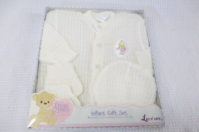 NEW Vintage Precious Moments Infant Baby Gift Set Sweater Hat Cap  Booties
