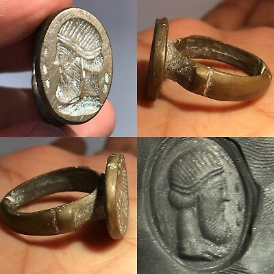 Wonderful bronze Ancient Rare intaglio Greek  ring
