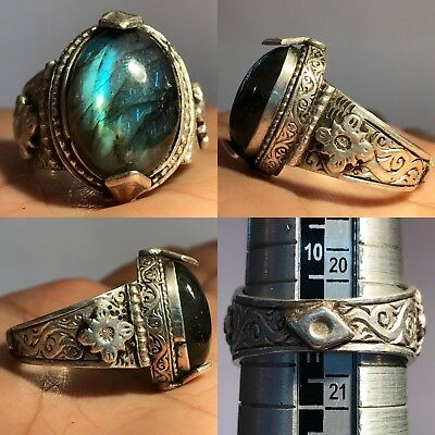 Ancient Silver Ring With Rare Lovely  Labrabolite  Stone