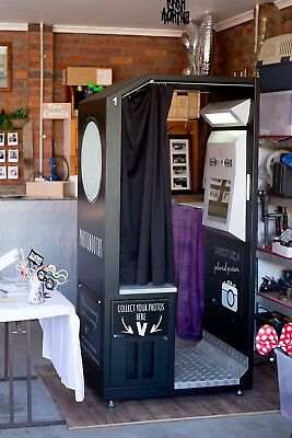 Photobooth in great condition. Ready to start Making $$$ straight away.