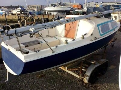 Anderson 22 lift keel yacht + trailer