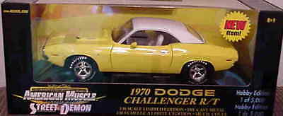 1970 Dodge Challenger R/T YELLOW 1:18 Ertl American Muscle 33442