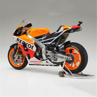 Tamiya 14130 1/12 Model Kit Repsol Honda RC213V '14 MotoGP Champion Marc Marquez