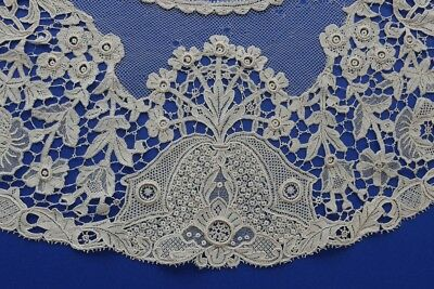 A Hand Made Mid Victorian Irish Youghal Needle Lace Collar