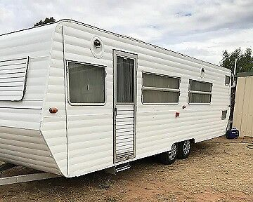 25 foot caravan - Kilsyth area
