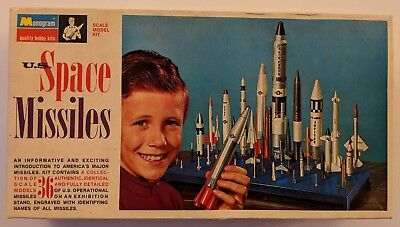 Monogram U.S Space Missiles 1:128 Scale Model Kit 36 Rockets 1969 PS221 COMPLETE