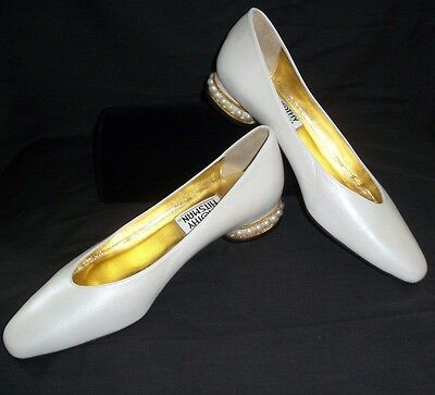 Bridal Wedding Shoes 9 1/2 M White Pumps Formal Occasion Pearls Leather Spain