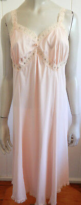 Variety gorgeous pink lacey vintage full slip size 24 (US 20)