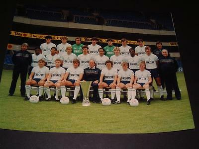 Tottenham Hotspur Fc 1984-85 Squad With The Uefa Cup Official Club Photograph ?