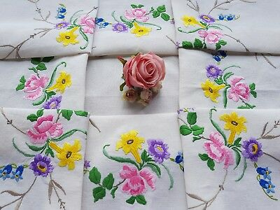 STUNNING Vintage Hand Embroidered Linen Tablecloth with Flowers