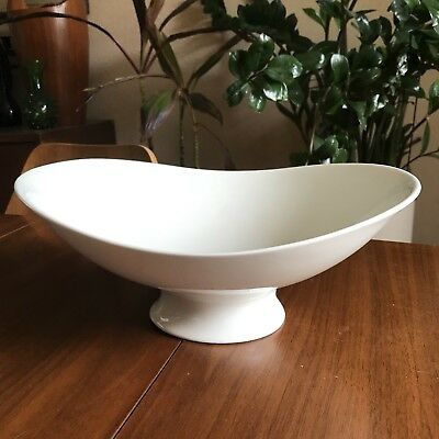 Eva Zeisel, Hallcraft, Hall China, White Large Footed Fruit or Serving Bowl