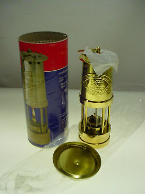 "Weems & Plath Yacht Lamp Lantern Model 600 7"" Mini Yatch Lamp New"
