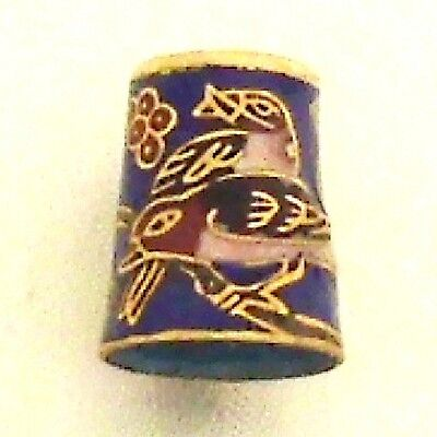 Fingerhut Kreuzschnabel 881ks Cloisonné 24ct vergoldet Thimble Rélief antik