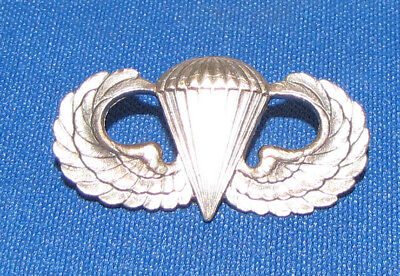 WWII Airborne Parachute Paratrooper Wings, General Products Clutchback